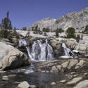 Little waterfalls were abundant up Piute Pass.